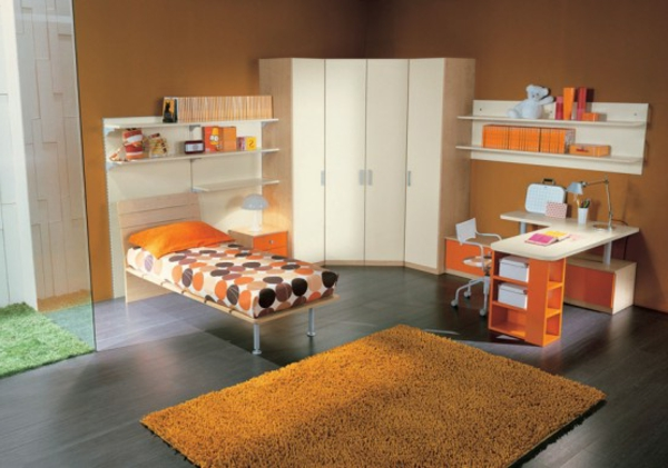 chambre de la jeunesse-set-up-orange-couleur-schéma-armoire en blanc