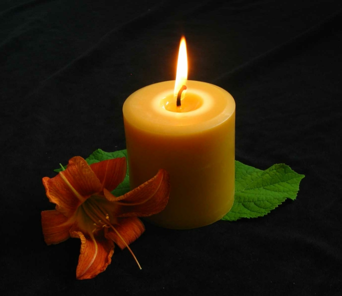 beautiful-velas-fondo-en-negro