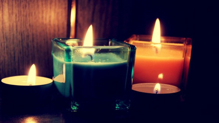 beautiful-velas-interesante-mirada-schwwarzer Antecedentes